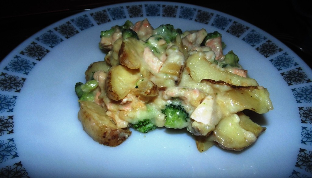 Ready Meals Monday - Weight Watchers Salmon and Broccoli Wedge Melt In All It's Glory