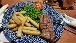9oz Sirloin Steak From Weatherspoons Aberdare.... a bit fatty and not nice to eat on this occasion
