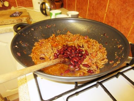 Adding the Red Kidney Beans to my Wheelie Easy Burritoless Beef Burritos